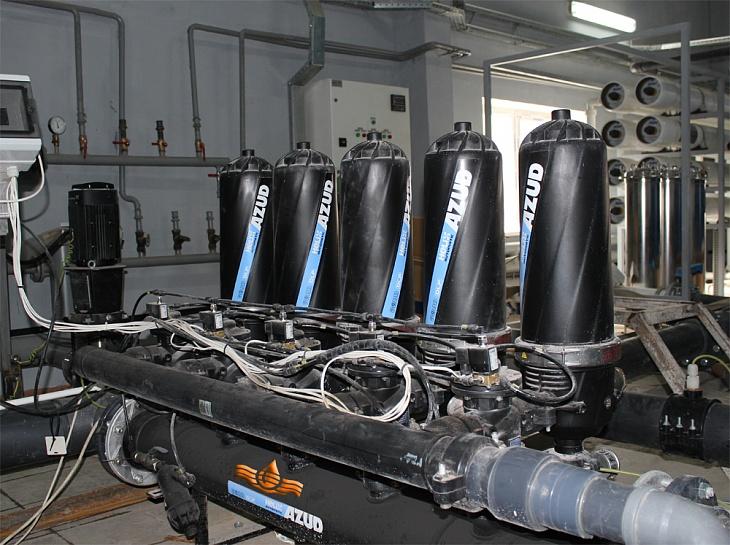 предварительный фильтр очистки от механических примесей azud helix 205/6fx.